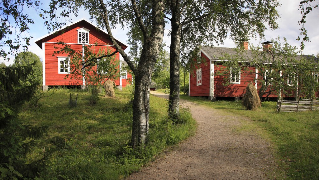 Header_countryside_red_house_cottage-1024x580.jpg